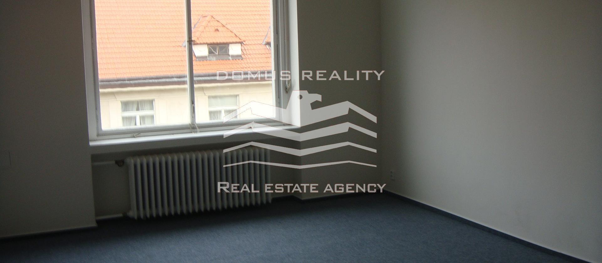 Prostorné, nově zrekonstruované kanceláře 3+1- o rozloze 100 m2