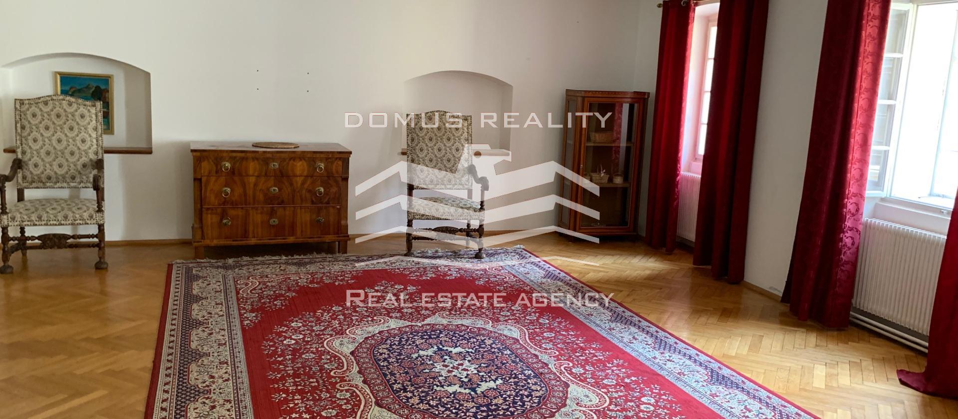 Prodej řadového domu v centru Prahy
