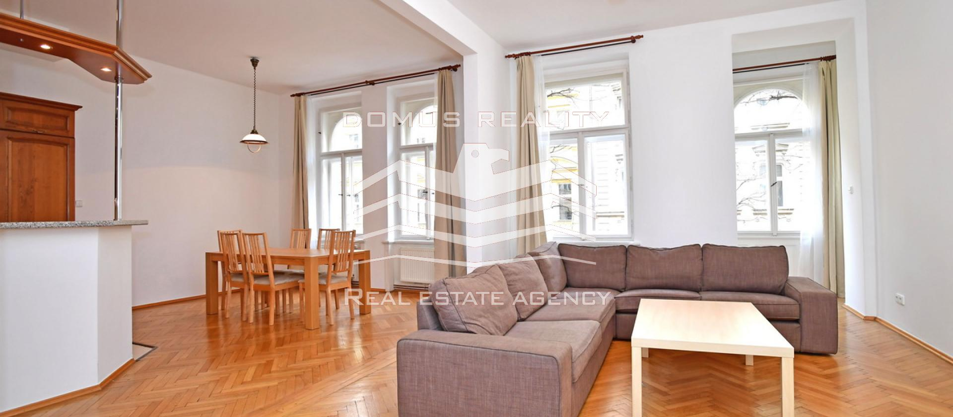 Luxusní zařízený byt číslo 4, dům č.p. 989, Mánesova 32, Praha 2  Plocha bytu: 125 m2, 3+kk, 3.nadzemní podlaž