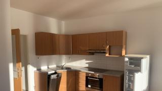 Nabízíme k pronájmu nezařízený, nový byt 2+kk s lodžií v blízkosti metra Českomoravská