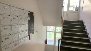 Velmi pěkný, kompletně po rekonstrukci, byt 2+kk-55 m2 s výhledem do zeleně