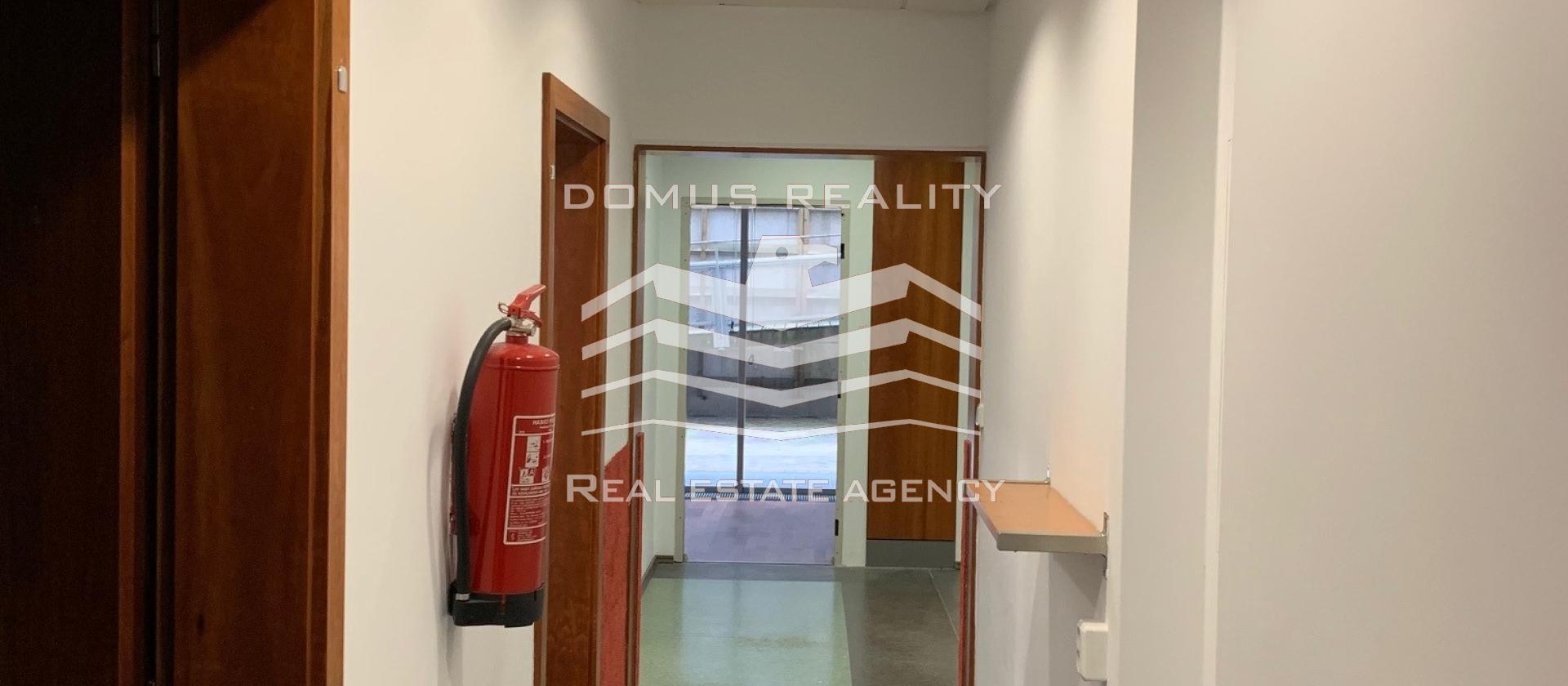 Nabízíme k pronájmu kancelářské prostory na Praze 6 - Vokovicíc