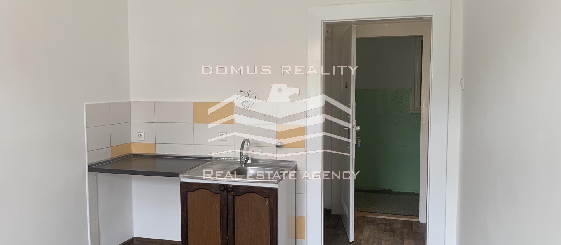 Nabízíme k pronájmu byt 1+kk, podlahová plocha bytu 21 m2,