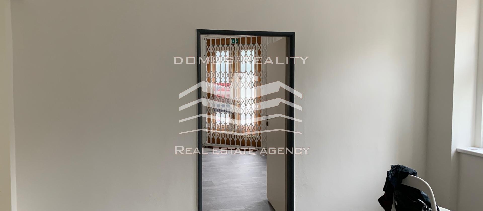 Naše společnost vám nabízí k pronájmu lukrativní komerční prostory 200 m2 v ulici Vychozí– Praha 4 – Podolí
