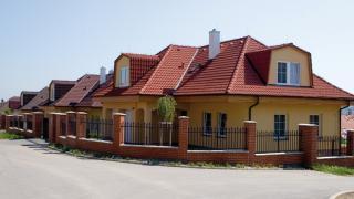 Nabízíme pronájem luxusní vily 7+kk v ulici Nad Helmrovkou