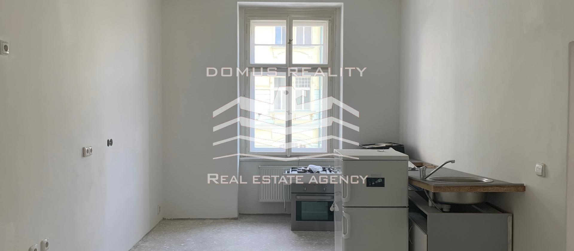 Nabízíme k prodeji slunný, prostorný byt 3+1/2x balkon, 145 m2, OV, Praha 3 - Vinohrady, ul. Slezská.
