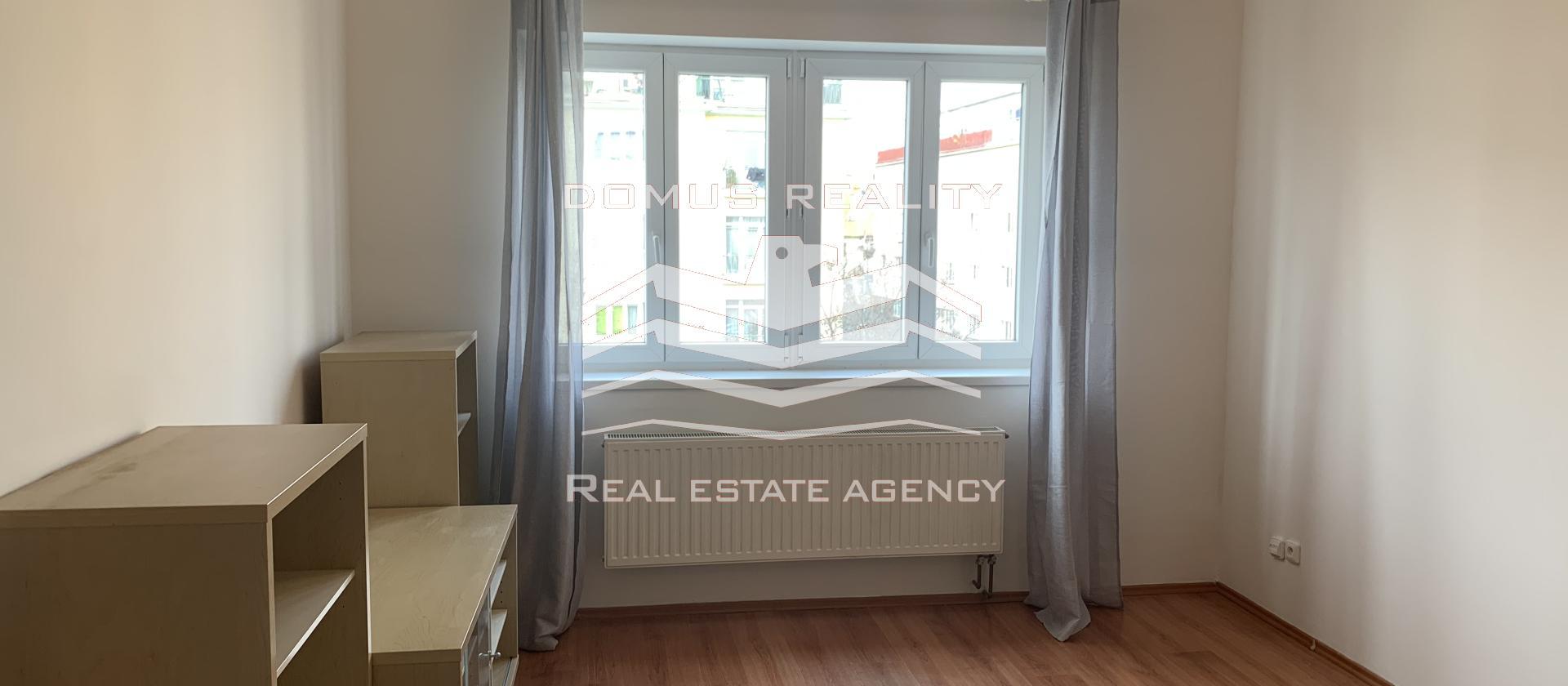 Dovolujeme si Vám nabídnout častečně vybavený byt 2+kk