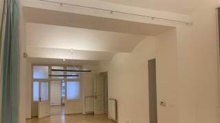 Nabízíme k pronájmu reprezentativní a zrekonstruovanou kancelář 5+kk o užitné velikosti 120 m