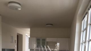 Velmi pěkný, nový , kompletně zařízený byt 1+kk- 36 m2 s výhledem do zeleně, se nachází v 2 .patře.