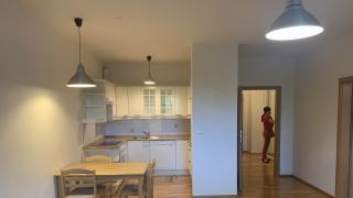 Útulný plně zařízený byt, který se nachází ve vyhledávaném projektu Terasy Červený Vrch