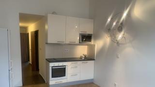 Vellmi pěkný byt po rekonstrukci 2+kk -56 m2 s balkoném, se nachází v cihlovém domě v 1.patře bez výtahu.