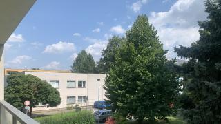 """Pěkný a udržovaný byt 3+kk-70m2 s lodžií se nachází ve 1p/3p. panelového domu v těsné blízkoti parku a M""""C""""-Střížkov"""