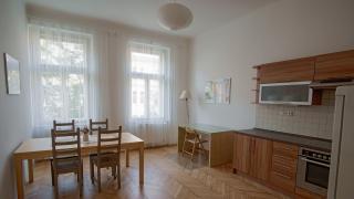 Domus reality  nabízí k pronájmu byt 3+kk o ploše 80 metrů čtverečních