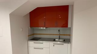 Hezký byt 1+kk-48m2 v klidné lokalitě Vršovic