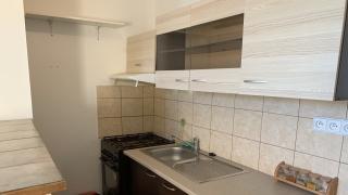 Pěkný a udržovaný byt 2+kk  o velikosti 38 m2 ve 2.patře činžovního domu